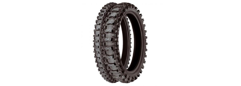 Neumáticos de Campo y Herramientas